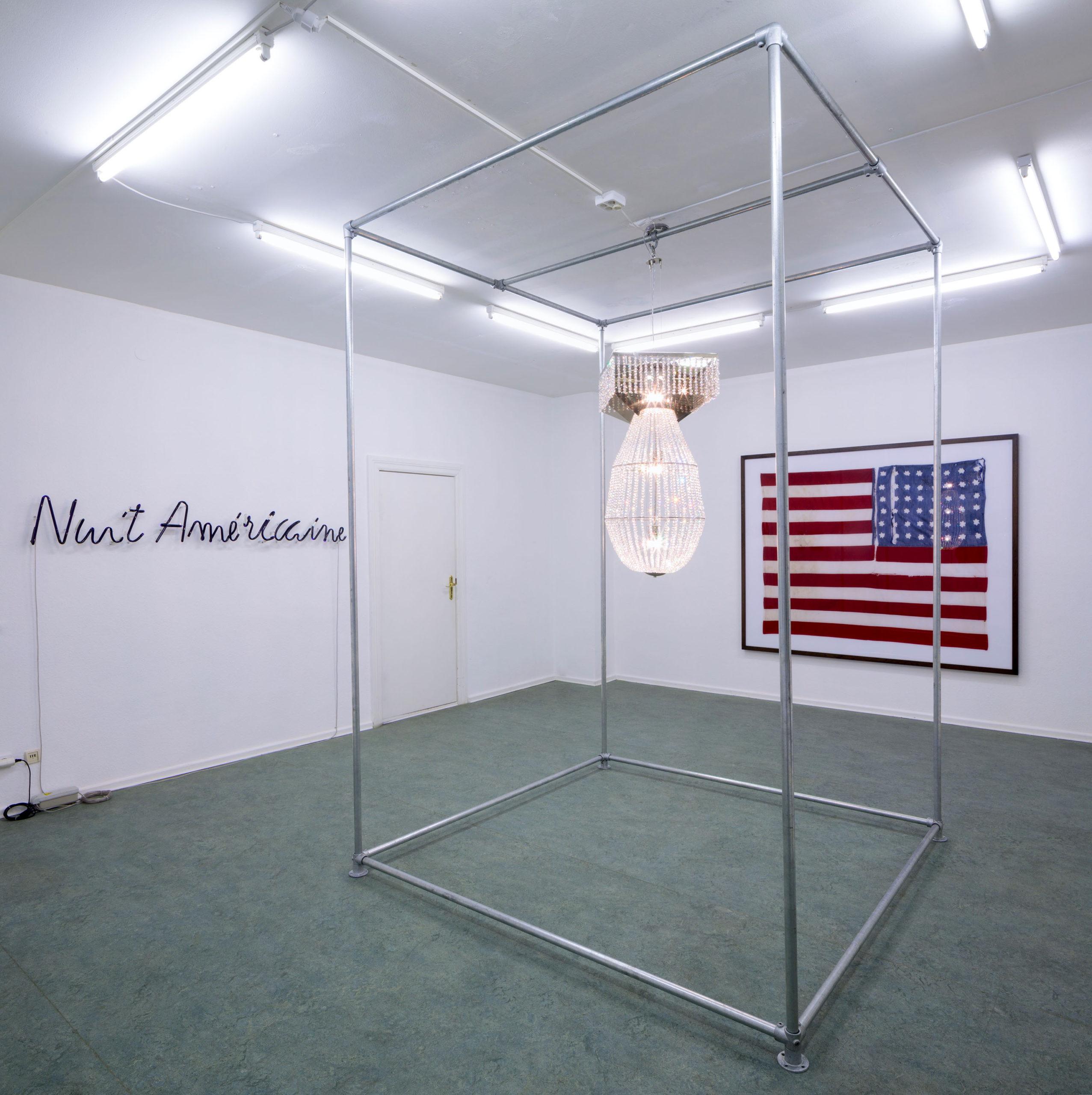 "Spor Klübü, ""Talkin to me?"", Philipp Lachenmann., 04.-19.12.2020, installation view, project series: ""Re-imagining America"", Foto: Matthias Mayer"